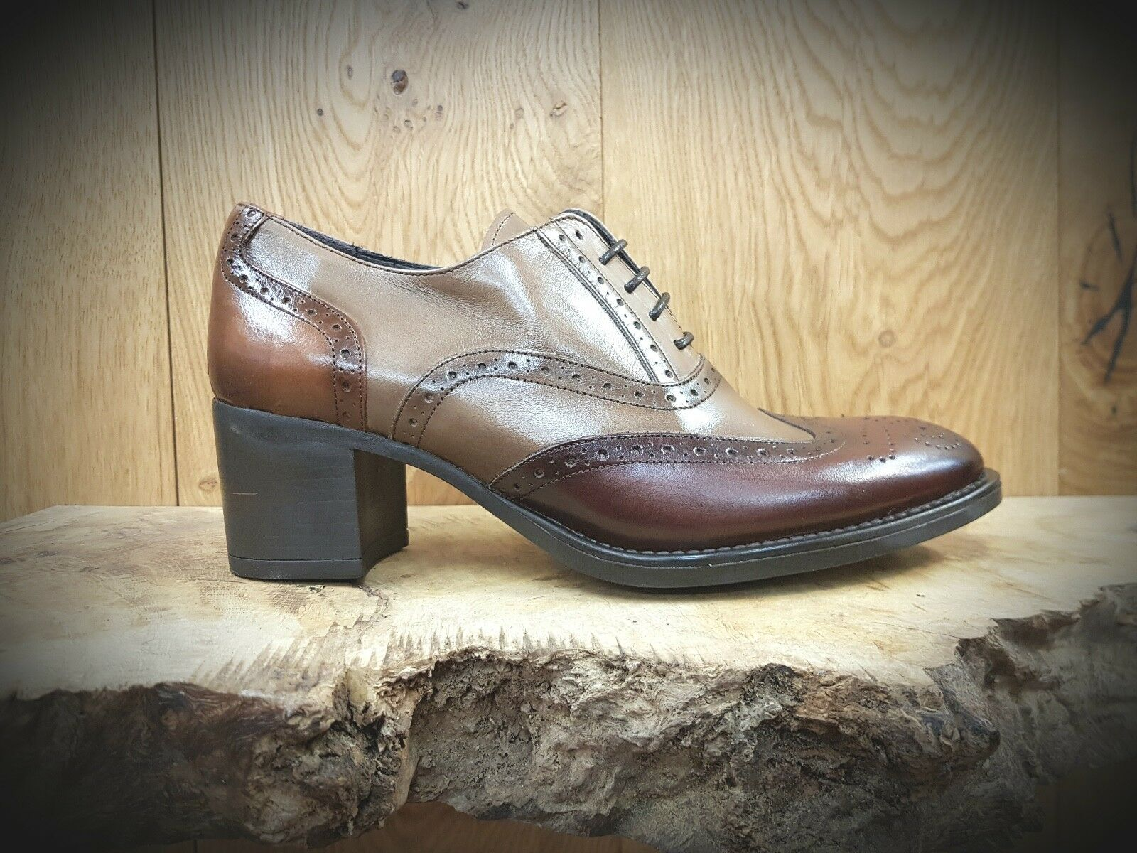 Luis Gonzalo // 4351M // Handmade 'Taupe' Damenschuhe Leder Brogues Schuhes // NEW