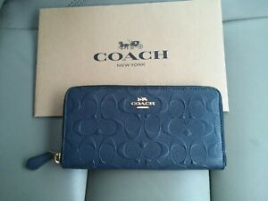 COACH-ACCORDION-ZIP-WALLET-IN-SIGNATURE-LEATHER-F27865-MIDNIGHT-IMt-GOLD