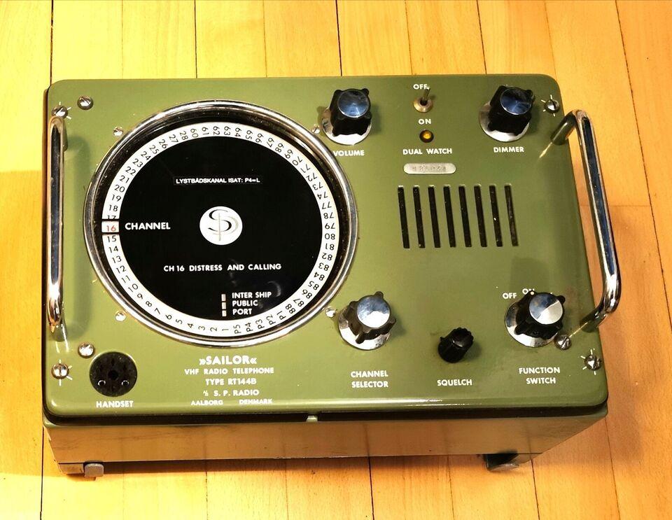 VHF, SAILOR, RT144B
