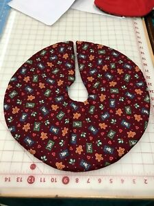 """16"""" Gingerbread men  Christmas tree  Tree Skirt Table top size"""
