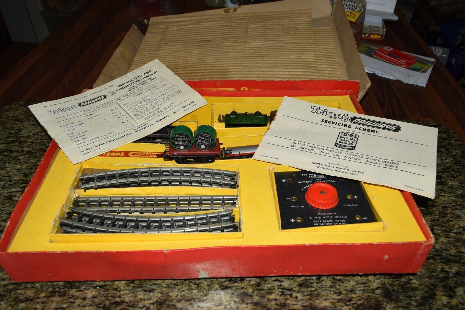 Triang hornby electric model railway set R3.E 00 H0 Gauge goods freight set