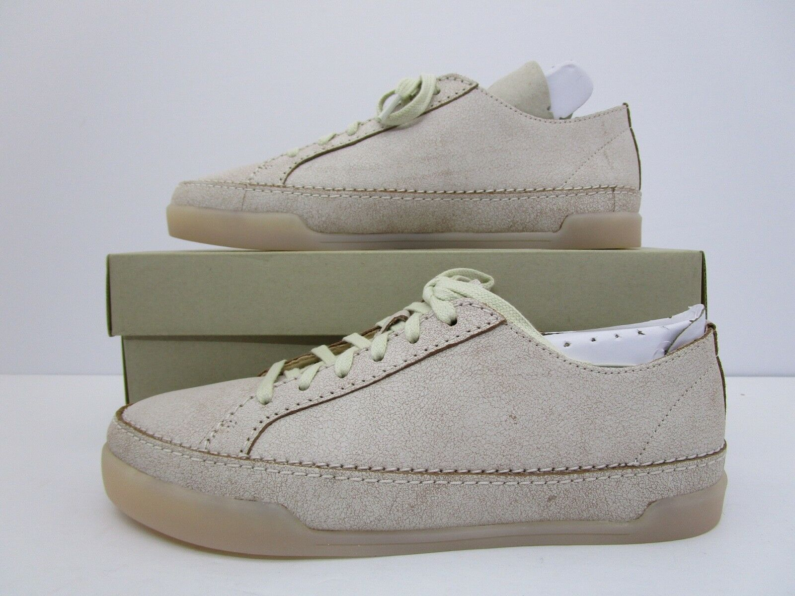 CLARKS Women's Hidi Holly Sneaker White Leather Size 6.5 M