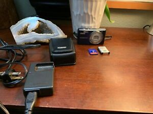 Nikon-Coolpix-S560-10-0MP-Digital-Camera-Beautiful-Blue-Accessories-Bundle