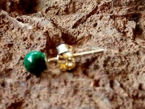 SINGLE STERLING SILVER 4mmSTUD EARRING with GREEN AGATE CABOCHON STONE £3.50 NWT