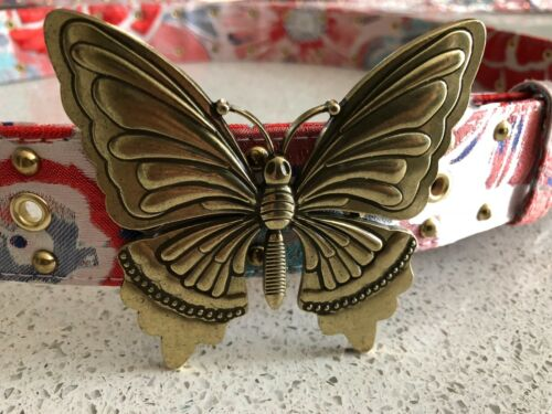Steve Madden Women/'s Red Rose//Gold Butterfly-Plaque Printed Belt Sizes S//M//L//XL