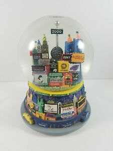 2000-New-York-City-Musical-Snow-Globe-Broadway-Twin-Towers-Plays-Auld-Lang-Syne