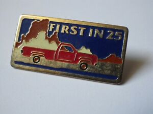 Pin-039-s-Vintage-Lapel-Pin-Collector-Advertising-First-IN-25-Lot-F107