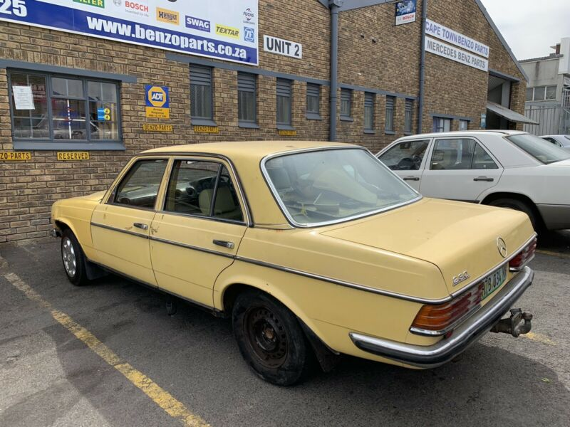 BENZO PARTS NOW STRIPPING: 1979 MERCEDES-BENZ 230 MAN W123 SERIES |  Bellville | Gumtree Classifieds South Africa | 446852493