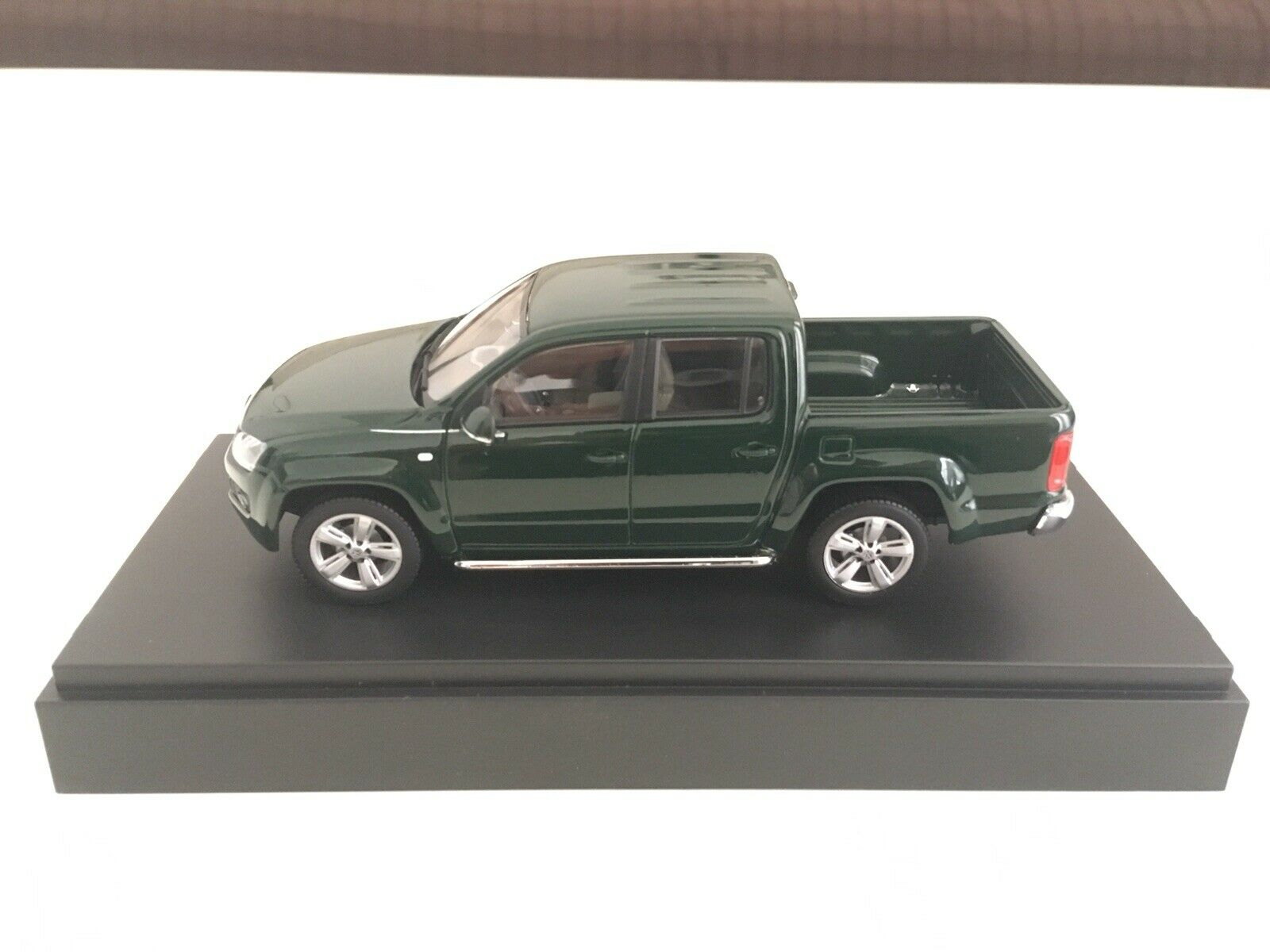 VW Amarok - 1 43 scale - Minichamps