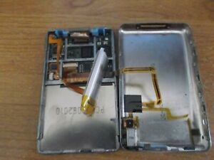 Broken-Apple-iPod-Classic-Black-160GB-MP3-Player