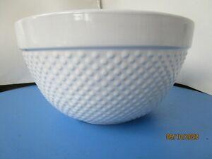 MAYFAIR-amp-JACKSON-Large-6-Quart-White-Emboss-Stoneware-Bowl-EXCELLENT