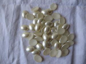 LOT-DE-50-CABOCHONS-ANCIENS-EN-VERRE-COULEUR-BLANC-CREME-NACRE-20x15-mm-N-15