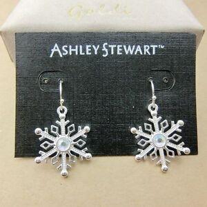 Festive-Xmas-gear-pretty-silver-clear-snowflake-earrings-Christmas-gift-gear