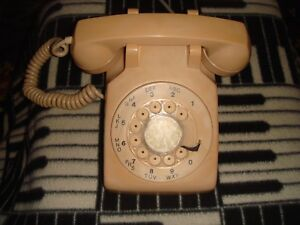 Vintage-Northern-Telecom-Tan-Beige-Rotary-Dial-Desk-Telephone