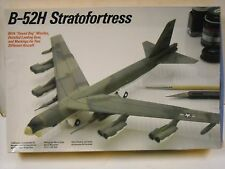 Testors B-52H Stratofortress 1:200 scale model airplane kit #615
