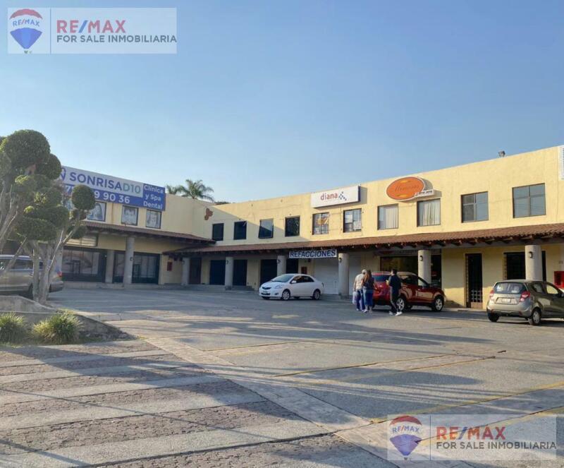Venta de local, Plaza Diana, Cuernavaca, Morelos…Clave 3414