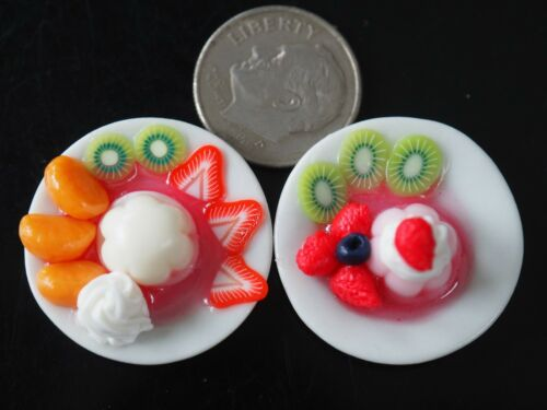 Dollhouse Miniatures 2 Plates of Fruit Pudding Desserts Sweet Food Deco 1:12