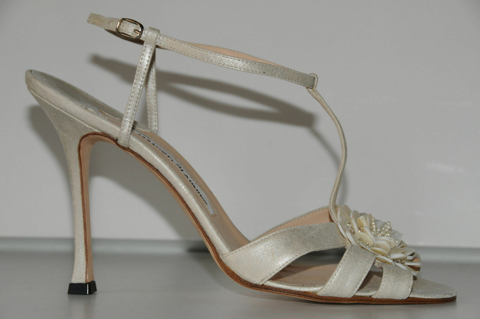New MANOLO BLAHNIK BLAHNIK BLAHNIK Pearly White Sandals SHOES WEDDING Strappy Jeweled 41.5 9eca21