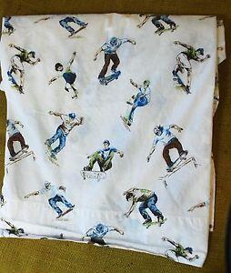 Pottery-Barn-Kids-Skateboard-Skater-Print-Twin-Size-Flat-Bed-Sheet-100-Cotton