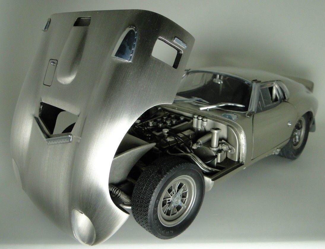 Daytona Ford Shelby Cobra Race Sports auto autoousel PEW modello 1966 24 1 18 12