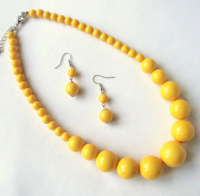 YELLOW GRADUATED BEAD NECKLACE AND DROP EARRINGS  SET