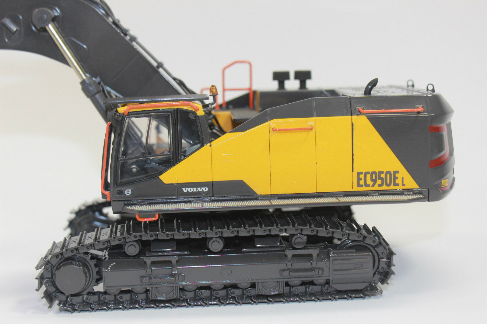 WSI 61-2001 VOLVO Ec950e TRACKED Excavator 1 50