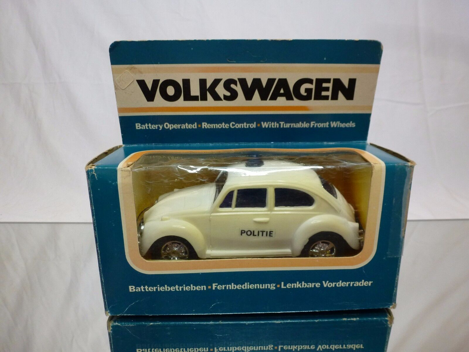 PLASTIC VW VOLKSWAGEN BEETLE  - POLICE POLITIE - RC - RARE - GOOD IN BOX