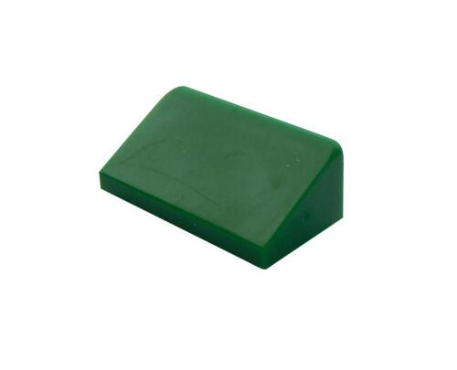 Lego 50 Stück Dachstein in grün 30 1 x2x 2//3 Schrägstein 85984 schräge Fliese