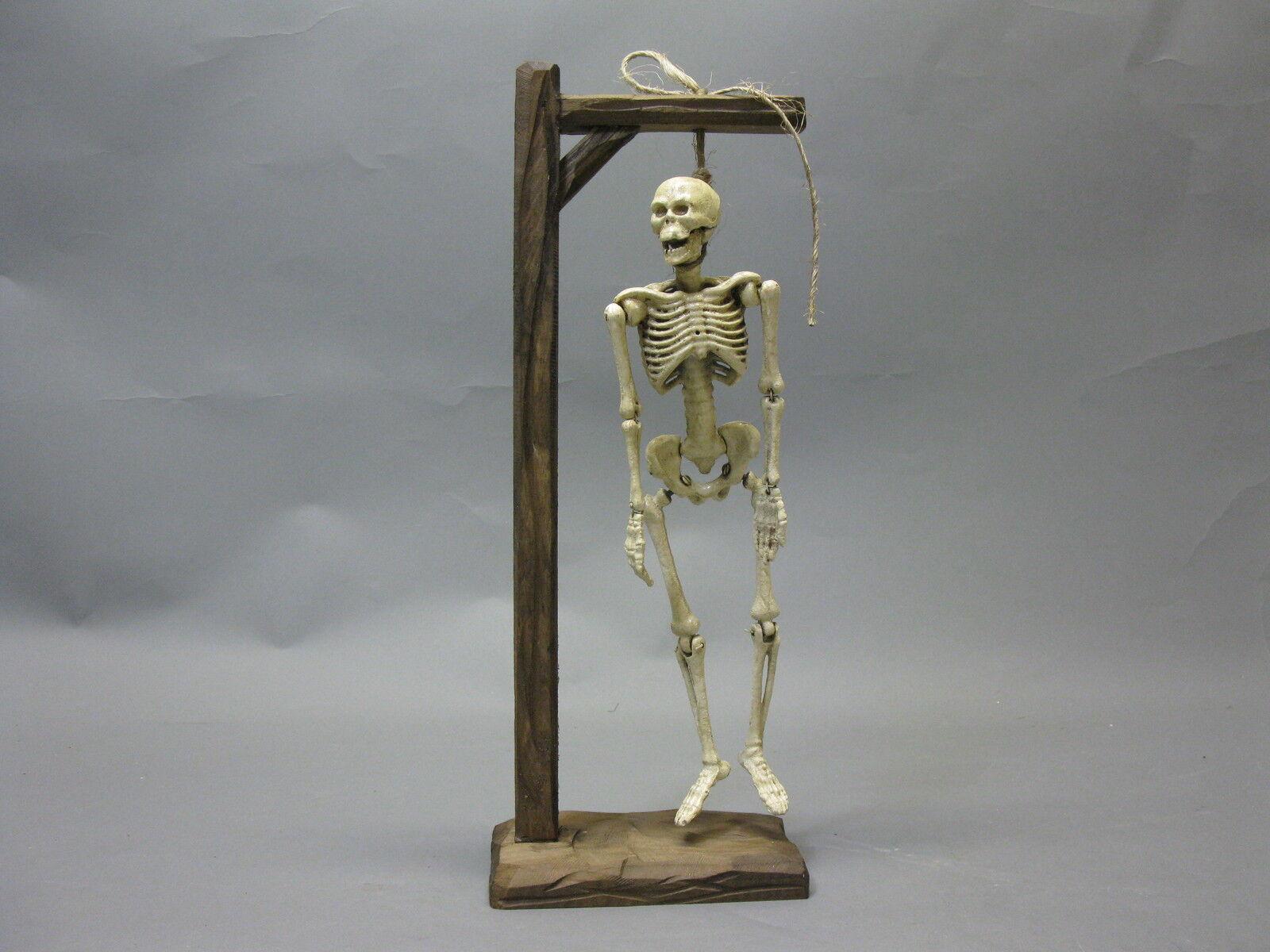 Gusseisen Skelett Skull  Knochenotto am Galgen 38cm