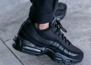 Nike-Air-Max-95-OG-Black-Trainers-Brand-New-size-039-s-UK-6-7-8-9-11
