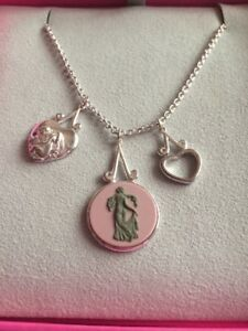 Wedgwood-Muse-Collection-Jasper-Necklace