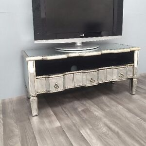 Mirrored tv stand unit furniture venetian room 3 drawers for Mirrored drawer unit