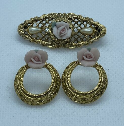 Vintage Ornate Gold Tone Lace Porcelain Rose Pear… - image 1