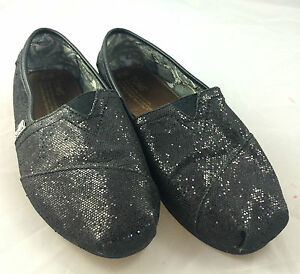 Free shipping BOTH ways on Shoes, from our vast selection of styles. Fast delivery, and 24/7/ real-person service with a smile. toms canvas black glitter and Shoes 67 items found. Sort By 67 items. View. Sort By. Filter. Your Selections. Shoes TOMS. Classic Canvas. $ 5 Rated 5 stars 5 Rated 5 stars. Like. TOMS. Classic Canvas.