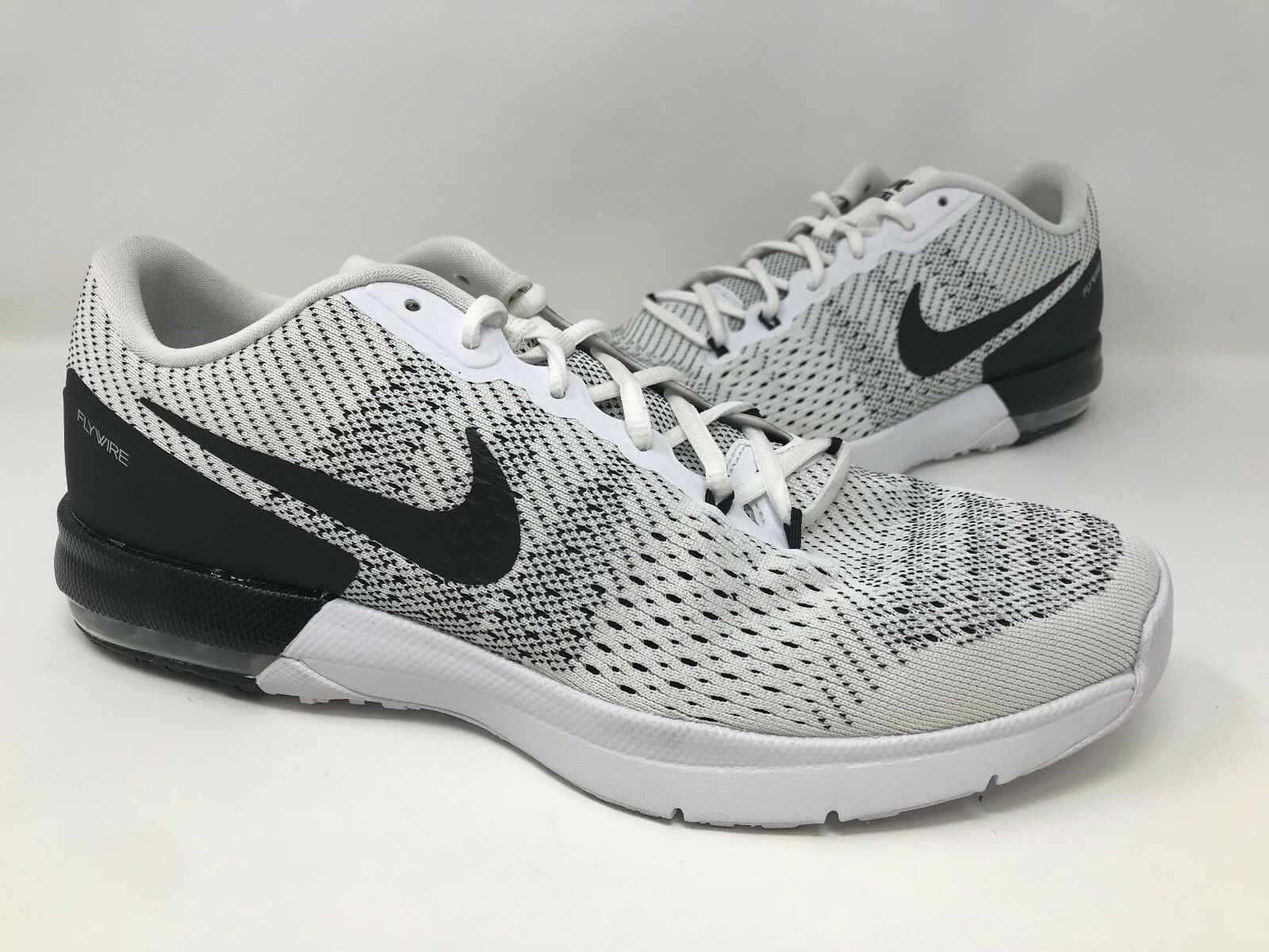 New! Men's Nike 820198-100 Air Max Typha Training Shoes White/Black A18