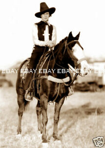 1920s-RODEO-ROUND-UP-COWGIRL-ON-HER-HORSE-PHOTO