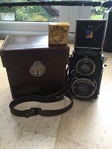 Voigtlander-Superb-Camera-And-Case