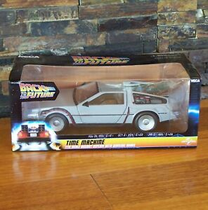 NECA BACK TO THE FUTURE DELOREAN TIME MACHINE 6-INCH DIECAST MODEL