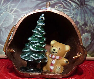 Real-Nice-Collectible-Plastic-Ornament-Christmas-Tree-amp-Teddy-Bear
