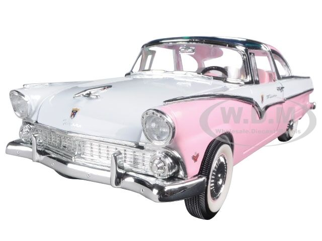 DIECAST 18 1 VICTORIA CROWN FORD 1955 MODEL PINK 92138