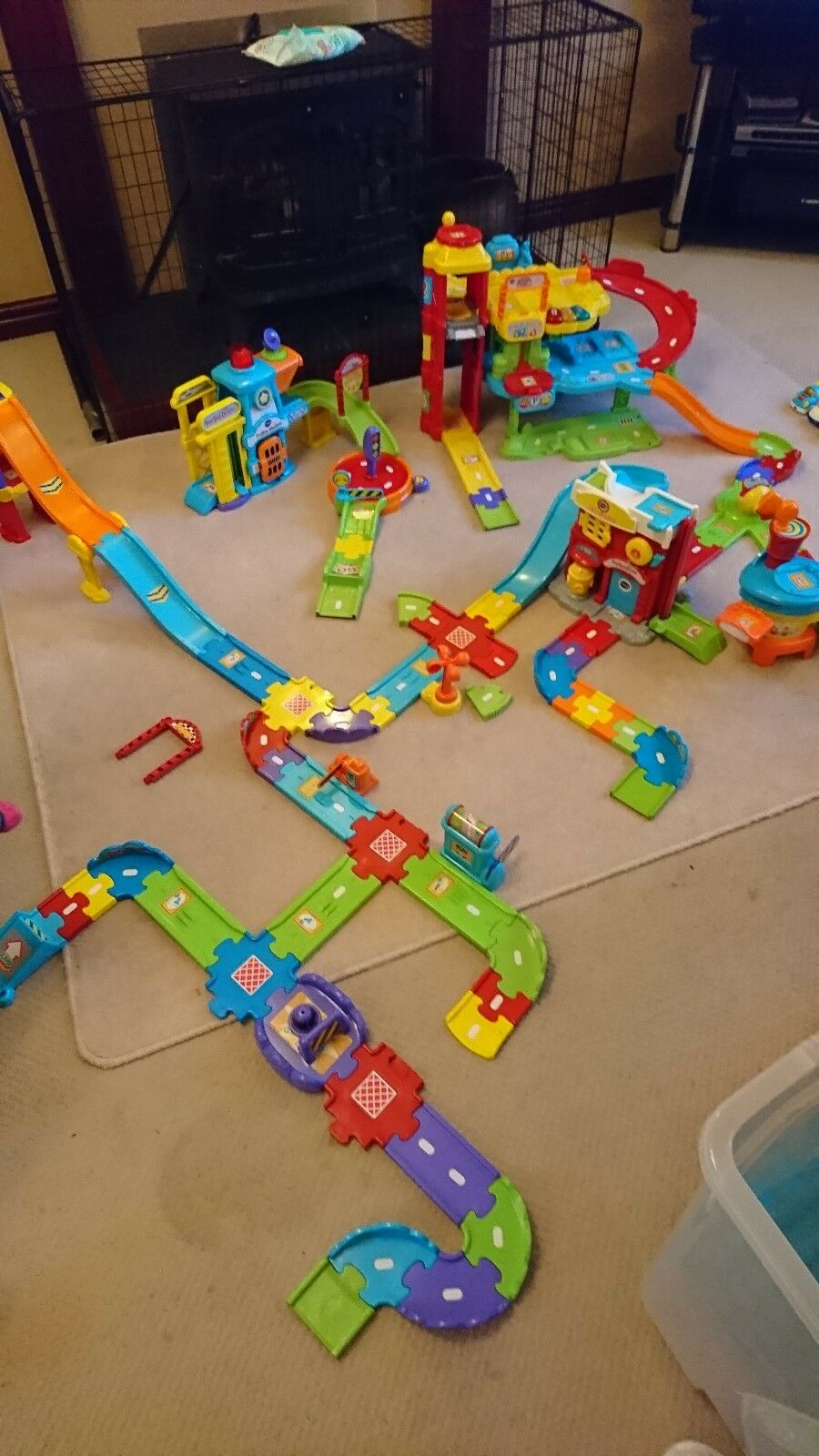 Vtech toot toot bundle with vehicles