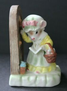 Vintage-Avon-Precious-Moments-034-My-First-Call-034-Figurine