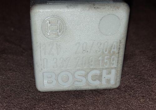 Saab 900 12v 20//30a multi usage relais Gris Bosch 0332209159