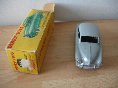 DT29E Voiture 1//43 réédition DINKY TOYS atlas 24ZT Simca versailles Taxi