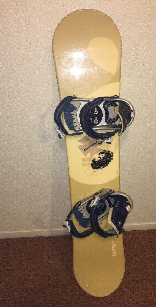 Lamar Woodcore Series Snowboard 138cm with Salomon sp4 Bindings Weiß Blau