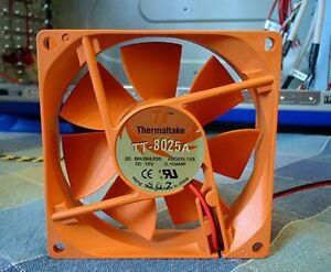 Thermaltake-TT8025A-DC-Brushless-Case-Cooling-Fan-A8025L12S-2-Wire-Molex-ventole