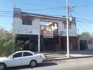 EN VENTA PROPIEDAD CON BODEGAS COMERCIALES CON 6 DEPARTAMENTOS