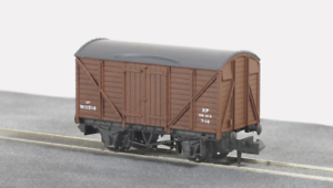 Peco-NR-43B-N-Gauge-BR-Brown-Box-Van