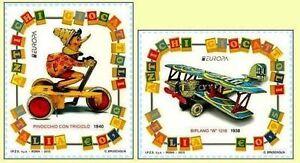 ITALIA-ITALY-2015-EUROPA-CEPT-Pinocchio-Old-toys-Set-2-Stamps-MNH