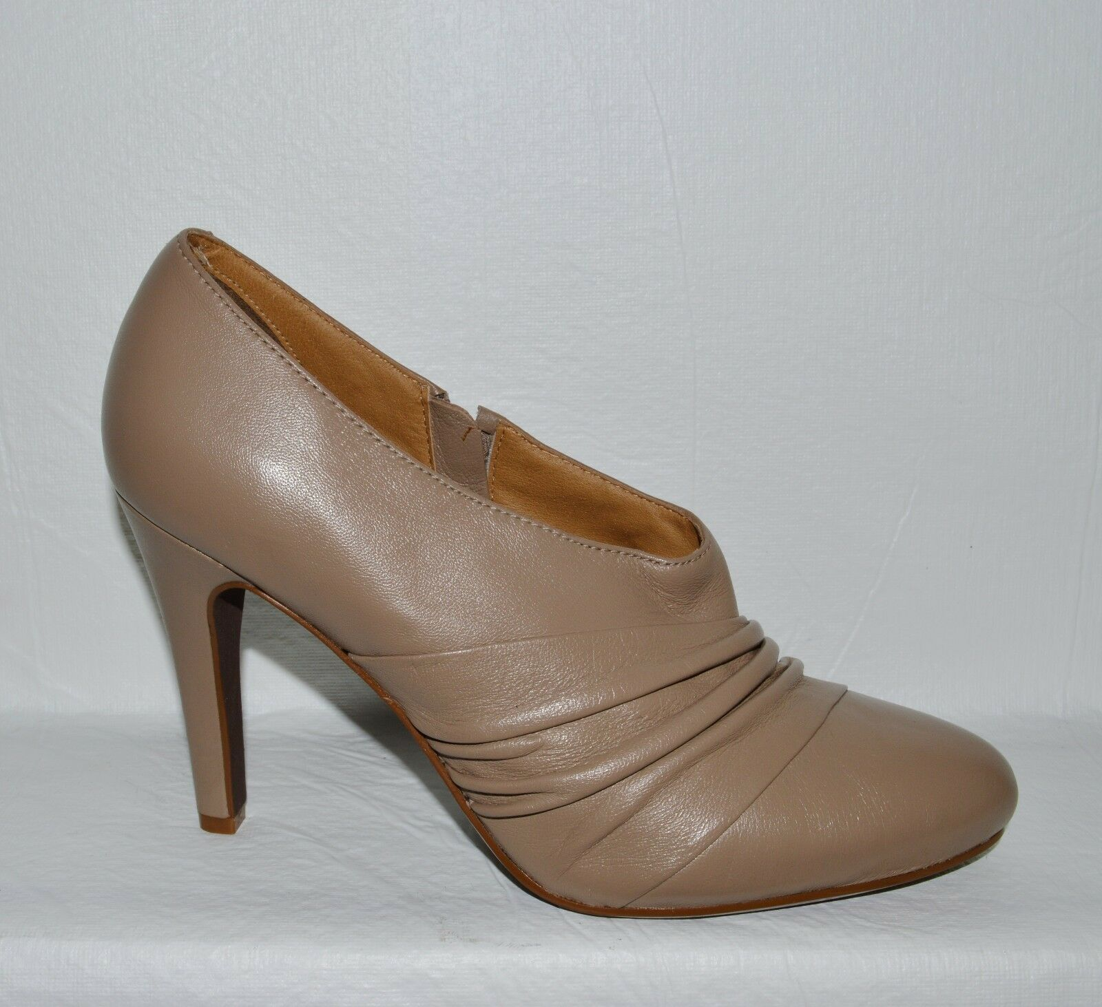 REPORT DYLAN NEW SZ 10 M TAUPE LEATHER PUMPS HEELS BOOTIES SHOES